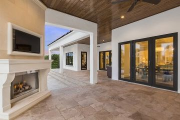 1461043962_18element_model_home_luxury_windermere