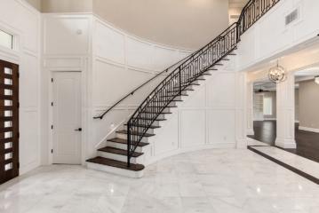 2_luxury_home