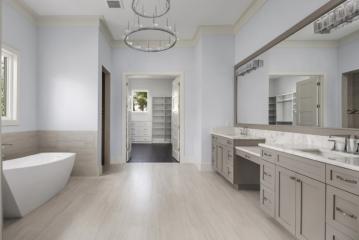 025_Master-Bathroom