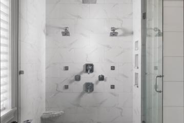 11_master-bath